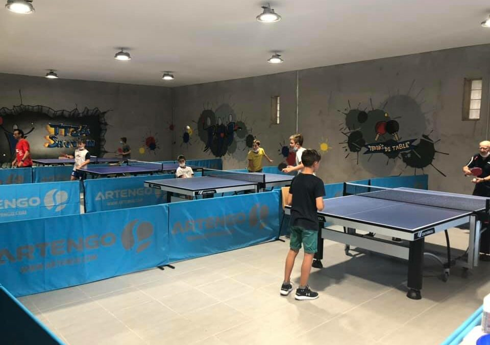 ESPACE ADOS SAUVIAN et le club de tennis de table